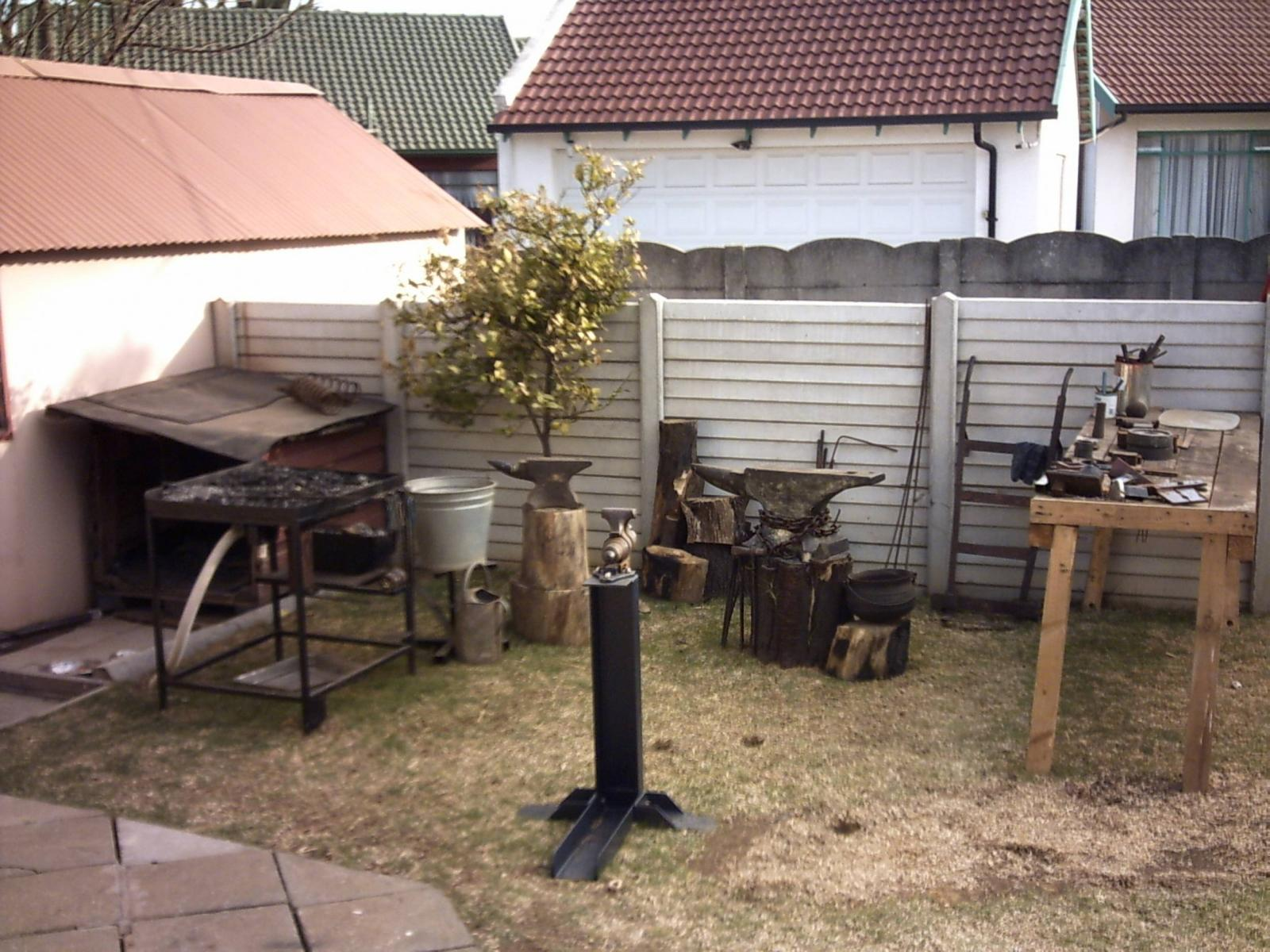 my backyard outdoor blacksmithing area member galleries i forge