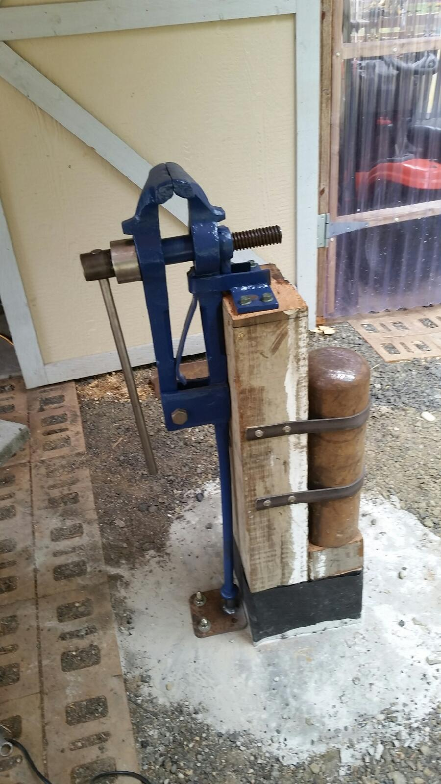 Home Made Vise Stand Vises I Forge Iron