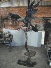 escultura... aguila real