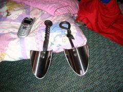 Garden shovels