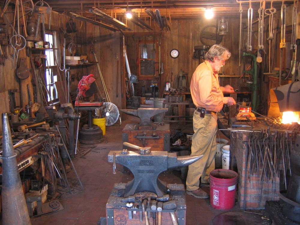 Bill Printy  's   Iron 'n Lace     Bentonsport  Iowa