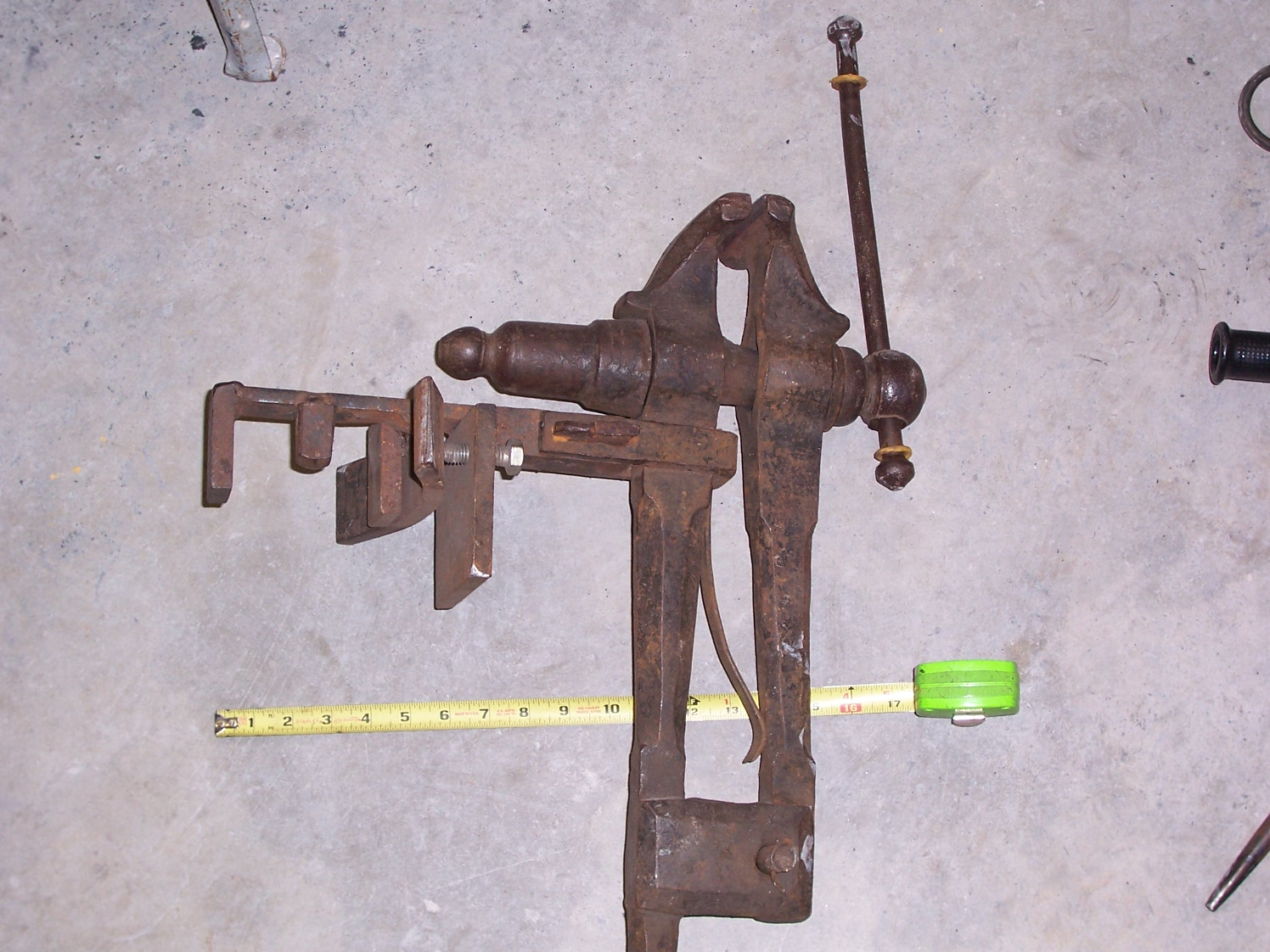 vise bracket to hold vise to anvil & stand