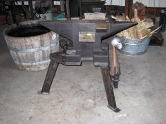 Hofi anvil
