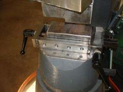 Spring tool holder
