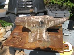 IMG 0731   I finnaly managed to get this anvil from a friends widow, his chickens used to roust on!