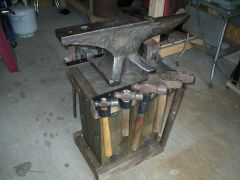 anvil stand 001