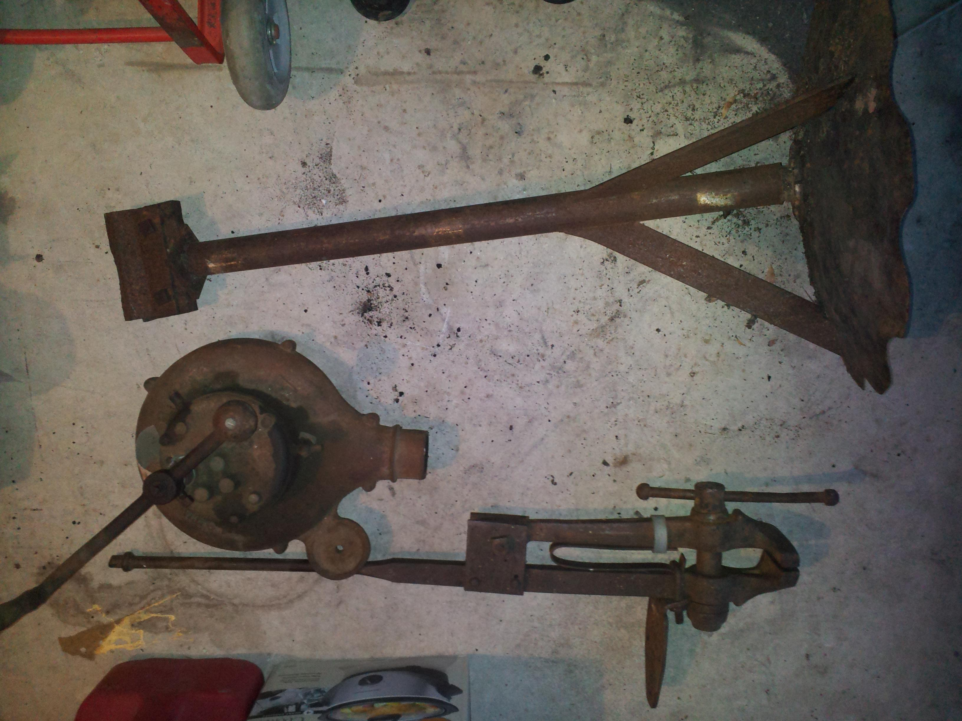 Blower, Leg Vice, and some sort of stand