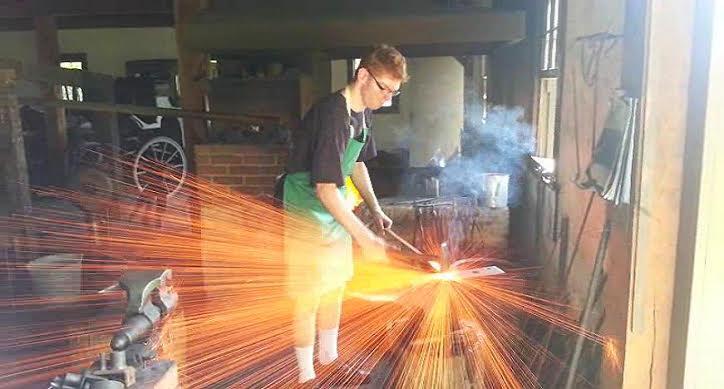 Matt_Blacksmithing.thumb.jpg.e86d63ee9d0