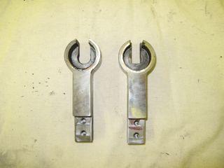 twist machine bar locking ends.jpg