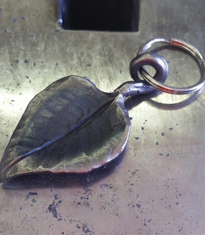 aspen leaf.jpg