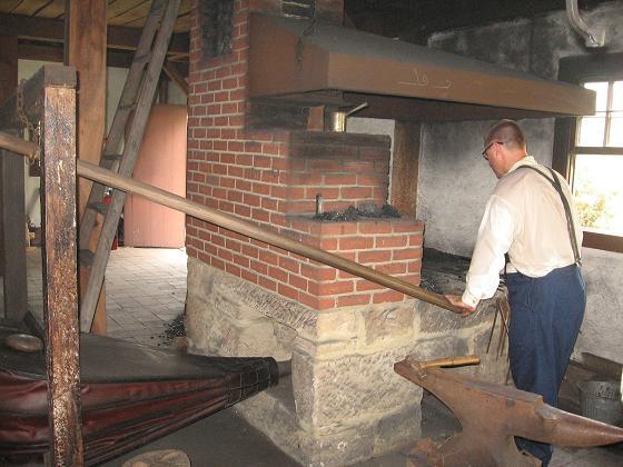 zoar blacksmithing 8-21 023 sm.JPG