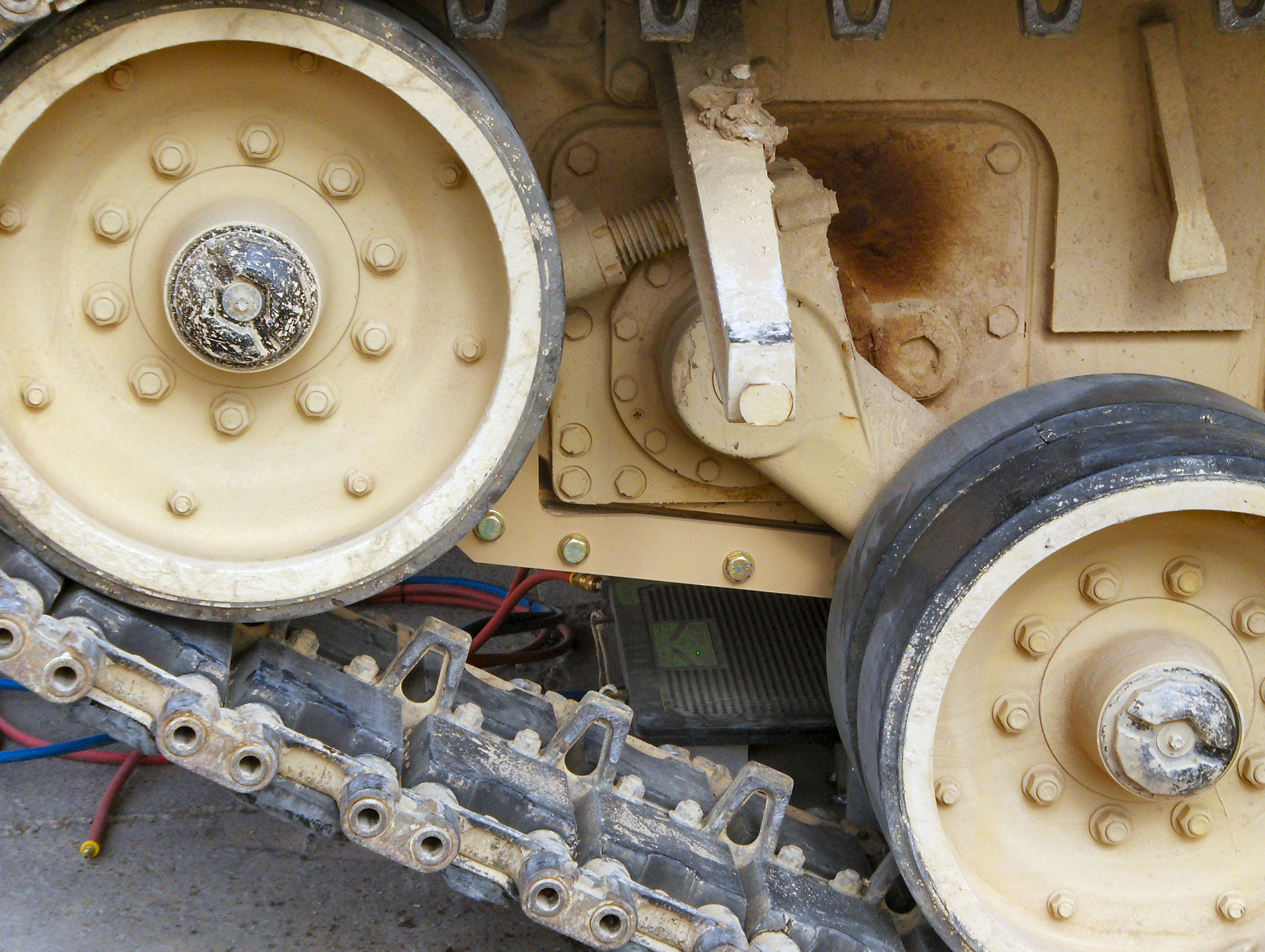 casting vs fabrication small tank tracks foundry and casting