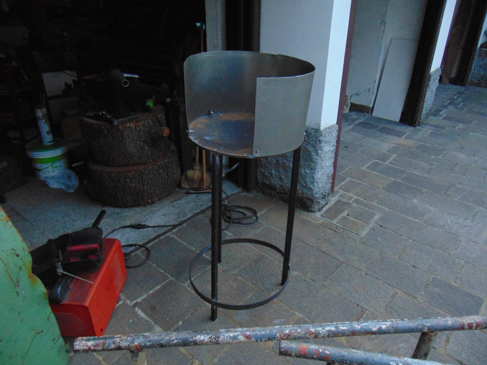 Diy Forge Attempt Solid Fuel Forges I Forge Iron
