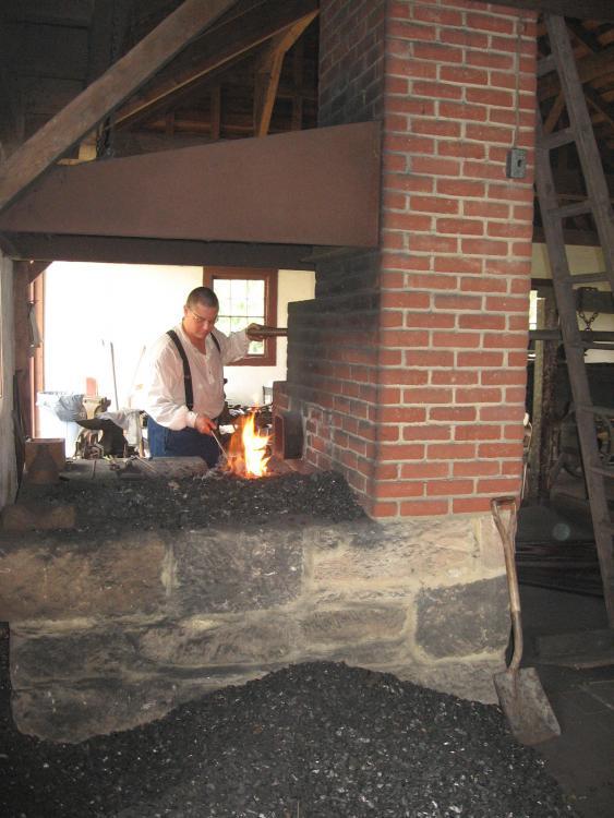 zoar blacksmithing 8-21 026.jpg