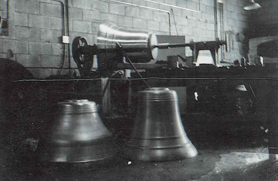 Bells.jpg.a1d7f6652af12991d320b1e43012580f.jpg