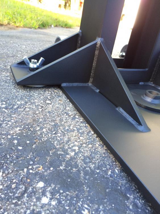 vise-stand-adjustable-pads.thumb.jpg.f1b05139145a230917d58198df584e23.jpg
