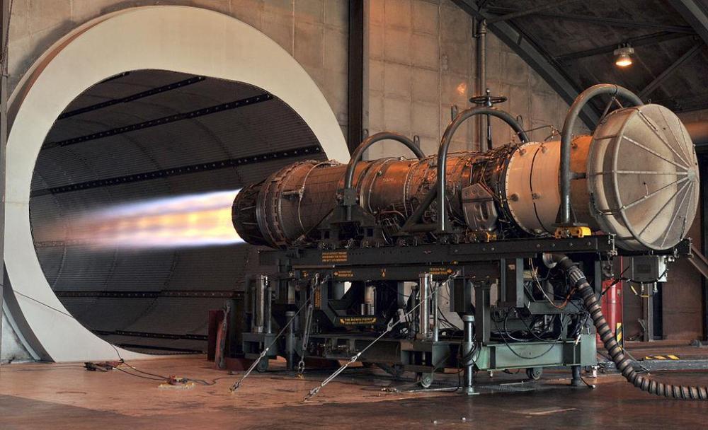 1024px-F100_F-15_engine.JPG