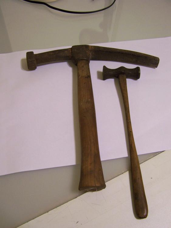 auction hammers 2.jpg
