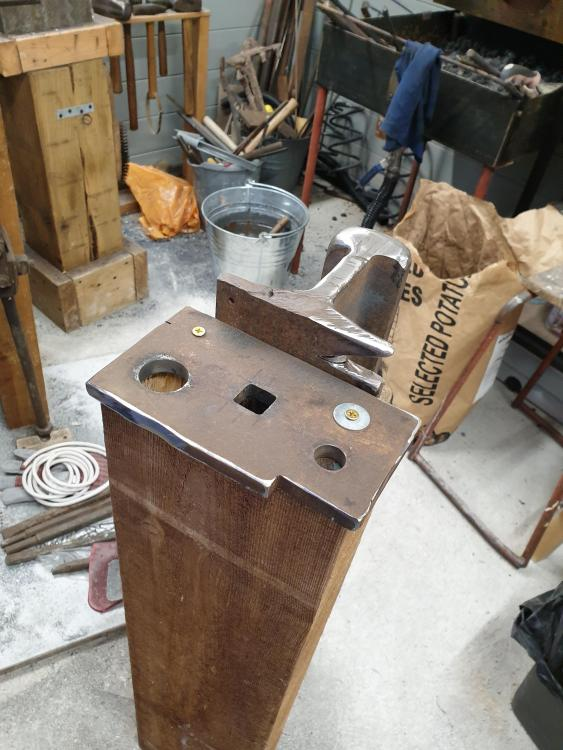 (47) Portable hardy hole Anvil.jpg