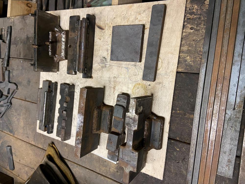 guillotine Tools 2.jpg