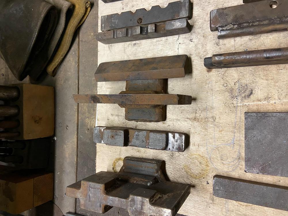 guillotine Tools 1.jpg