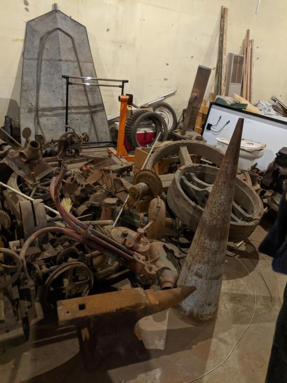 blacksmithpile3.thumb.jpg.ed886ef114aa1f8307fe1317c325072e.jpg