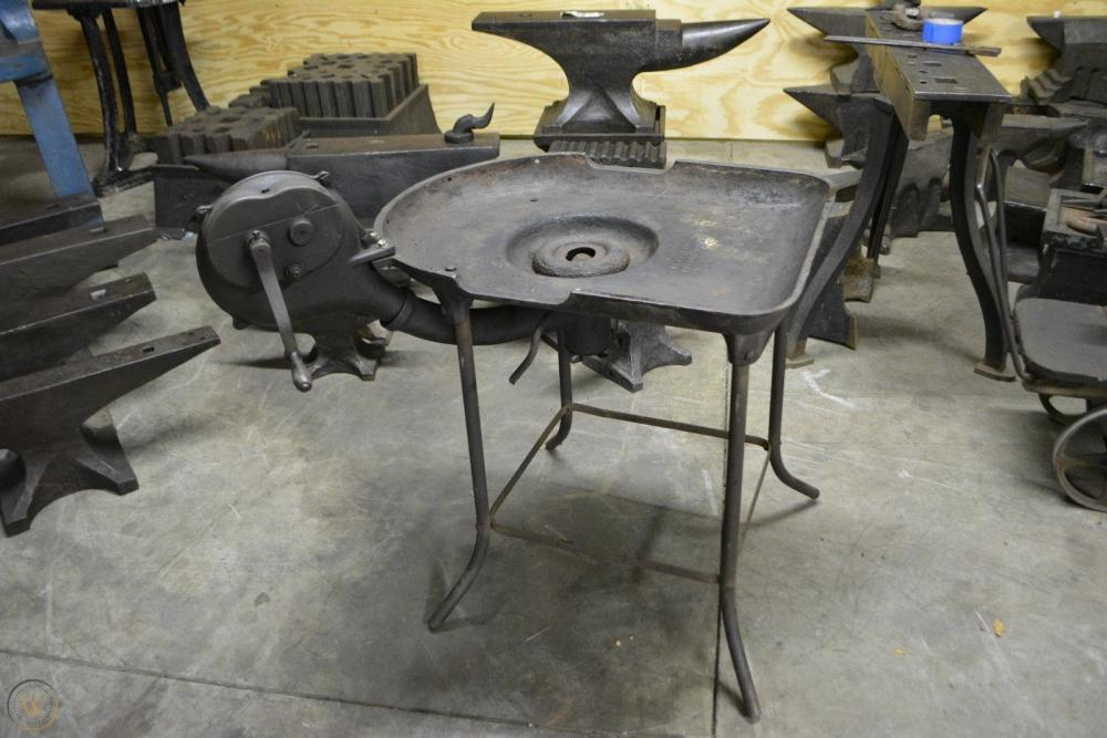 vintage-blacksmith-champion-coal_1_9c8a4896b3b1ed311a3dbb8b8036aab0.jpg