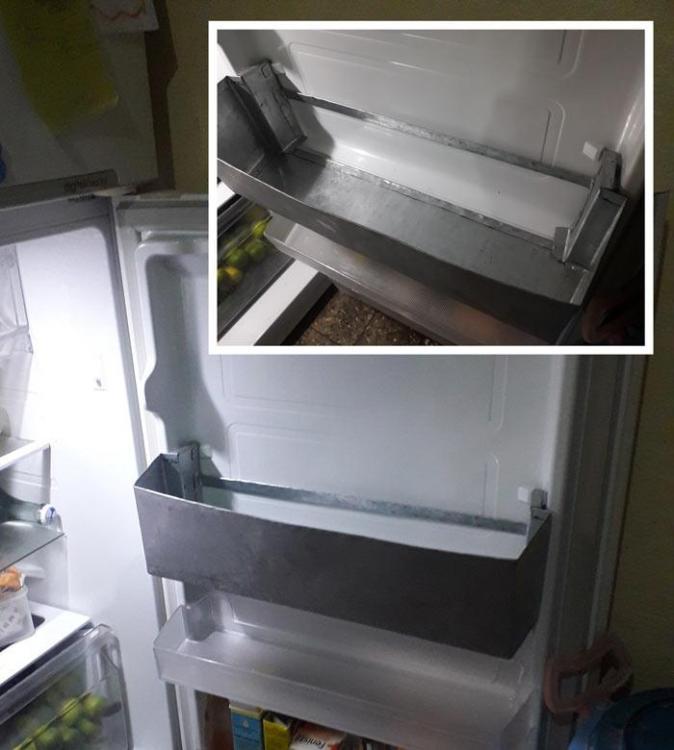 fridge-bottle-holder.thumb.jpg.262e3d1f7994891c206990b68b80acde.jpg