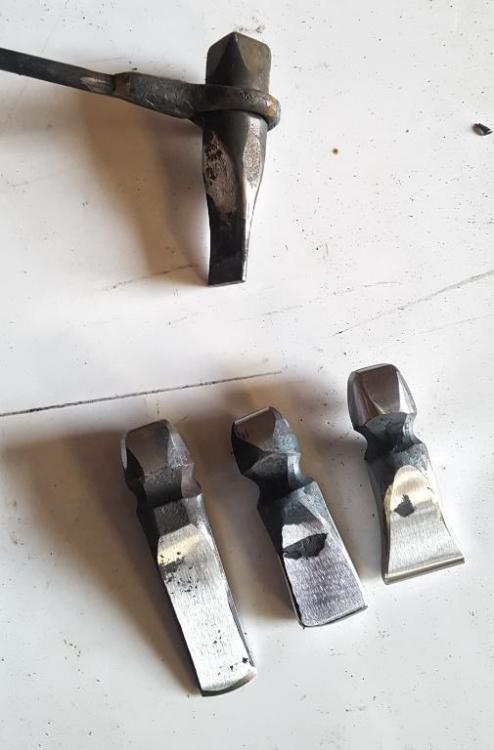 Tools.thumb.jpg.53ff46d45a9861e9f24a65bd0b310689.jpg