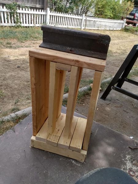 anvil stand.jpg